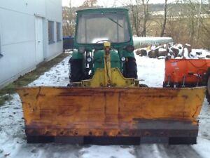 Schneepflug Traktor Traktor mit Schneepflug Bulldog Deutz