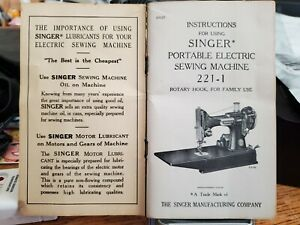 1952 Singer 221 Featherweight Sewing Machine - with Case