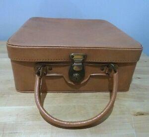 Attractive Vintage Antler Vanity Case in Light Tan 1960s Travel Label