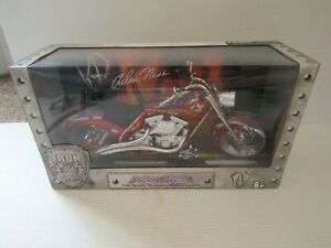 IRON LEGENDS ARLEN NESS MOTORCYCLE 1:6 SCALE IN BOX RED BIKE