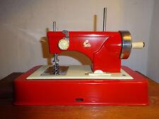 Casige Kindernähmaschine ca.1960 - er Jahre Eisen/Blech Batterie / Antriebsrad