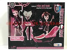 Monster High Doll Powder Room Draculaura Toys R Us Exclusive New in Box Retired