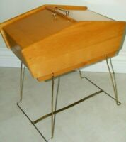 Vintage Mid Century Modern MCM Wooden maple sewing box, chest, box storage 1950s