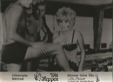 AF Die Puppen (Elke Sommer, Monica Vitti)