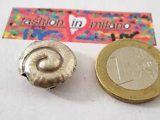 1 chiocciolina in argento 925 di 18/19x9 mm provenienza  indonesia
