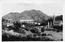Lourdes el Basílica y castillo fuerte