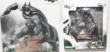 Kotobukiya Batman Arkham City: Batman ArtFX+ PVC 1/10 Scale Statue Damaged Packa