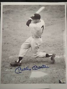 Mickey Mantle autographed signed New York Yankees photo