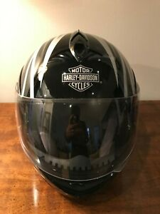 XL size Pre-owned Harley Davidson Helmet with Harley nylon bag slack