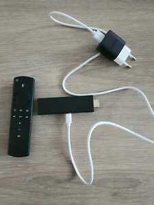Amazon Fire TV Stick 4K (3. Gen) mit Alexa-Sprachfernbedienung (2. Gen)