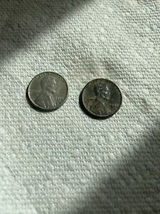 2 rare vintage 1943 wheat steel war time Lincoln pennies Silver color