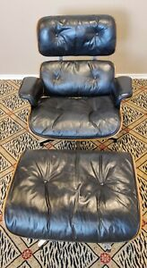 Herman Miller / vintage EAMES LOUNGE CHAIR & OTTOMAN - Rosewood & Black Leather