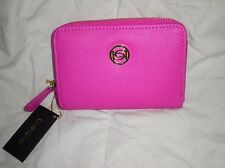 NWT BEBE ZIP LOGO WALLET 1 SIZE Chic wallet featuring Zipper n bebe logo