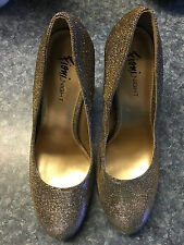 Fioni Night High Heeled Shoes; Gold; Dress/Party/Wedding!!! EUC!!!