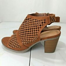 Cloud Walkers By Avenue Sandals Womens Size 9W Shoes Ankle Boots Open Toe Studs
