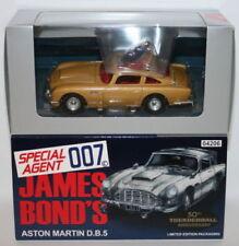 Articoli di modellismo statico in oro Scala 1:43 sul James Bond