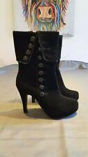 New black button boots, size 4, platform