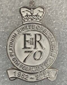 the queens platinum jubilee lapel badge united kingdom loyalist uk