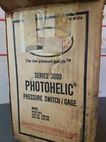 DWYER Photohelic 3010C, Series 3000 Pressure Switch/Gage,  Inches Of Water NEW