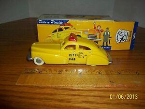 2000 Dimestore Dreams 1/43 scale Taxi in box