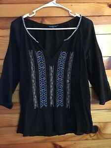 American Eagle Women's Juniors Black Gauze Shirt Embroidered Size S