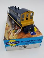 Athearn HO Scale 4005 Sw7 Power Diesel Calf Santa FE Calf Locomotive