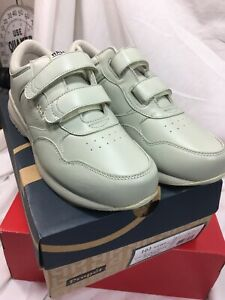Propet Men's Life Walker Strap Sneaker - ( M3705 ) - Sport White - Size 10.5 M