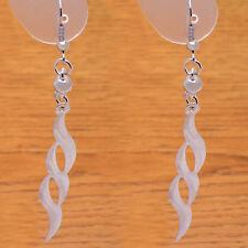 Great Fashion Stylish Metal & Plastic Beautiful Leaf Long Danglе Hook Earrings