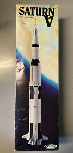 Vintage Estes SATURN V Flying Model Rocket #2001 - PLEASE READ