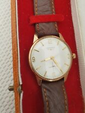 Longines vintage solid gold gentleman's dress wristwatch with presentation box