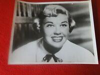 Vintage Original Hollywood Celebrity International News Photo Doris Day      H17