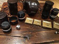 Rare Nikon F 35 mm Full Kit avec plusieurs lentilles vintage et accessoires en cuir