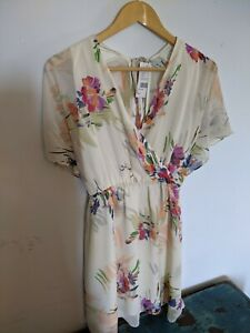 Kimchi Blue Summer Dress, Urban Outfitters Medium,cream With Flowers