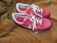 Nike Girls White/Pink Youth Shoes! Size 4.5Y Retro Nylon/Leather EUC! worn once