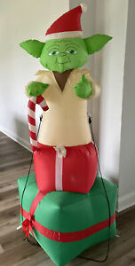 Gemmy AIRBLOWN Inflatable YODA Star Wars Christmas 6ft