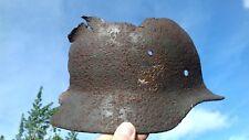 WW2, Wk2: partie de casque Allemand, 1/4 droit déchiqueté.