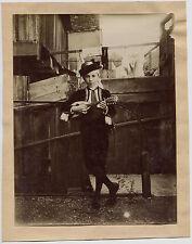 Joueur de guitare - Tirage argentique 1895 -  17 x 22 cm -