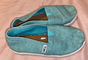 Girls / Boys Size 13 (32 Euro ) Toms Shoes