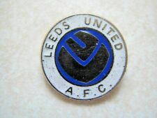 Small Old Leeds United Smiley Coffer Enamel  Pin Badge,