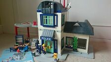 PLAYMOBIL 3988 LARGE POLICE STATION HOUSE WITH HELIPAD & CELLS
