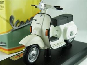 VESPA PK 125 AUTOMATICA SCOOTER MODEL 1:18 SIZE 1984 WHITE MOPED MAISTO T34Z