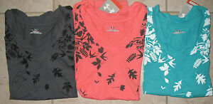 NWT WOMEN'S UNDER ARMOUR HEAT GEAR WELCH SHORT SLEEVE V-NECK PRINTED TOP TEE