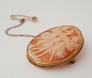 9k solid gold & Carved Shell Cameo brooch 7.71g / 38mm
