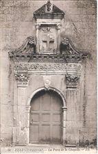 Carte postale, AZAY le RIDEAU, La porte de la chapelle, non écrite au revers.