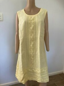 MAGGIE T sleeveless yellow linen dress with lace trim 16 as new party beach