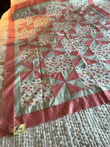 """Handmade quilt top, 44"""" x 60; floral design with pin wheels, Pink cotton A116"""
