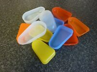VINTAGE 1970's LOLLYKIT & COLOURED PLASTIC ICELOLLY MAKERS MADE IN GREAT BRITAIN