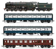 Hornby R3607 The 15 Guinea Special Train Pack Era 5 OO Gauge