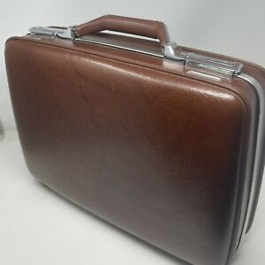 """Vintage 1970's American Tourister  overnight briefcase Luggage 18"""" Suitcase USA"""