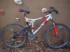 "GT 3.0 i drive mountain bike Silver Red Fox Shox 26""inch Wheel"